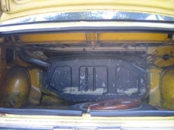 tanki bensin di bagasi