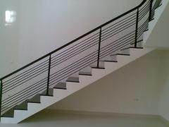 tangga dari samping