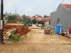 jalan di samping rumah