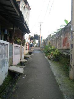 jalan depan rumah